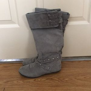 Studded grey winter boots